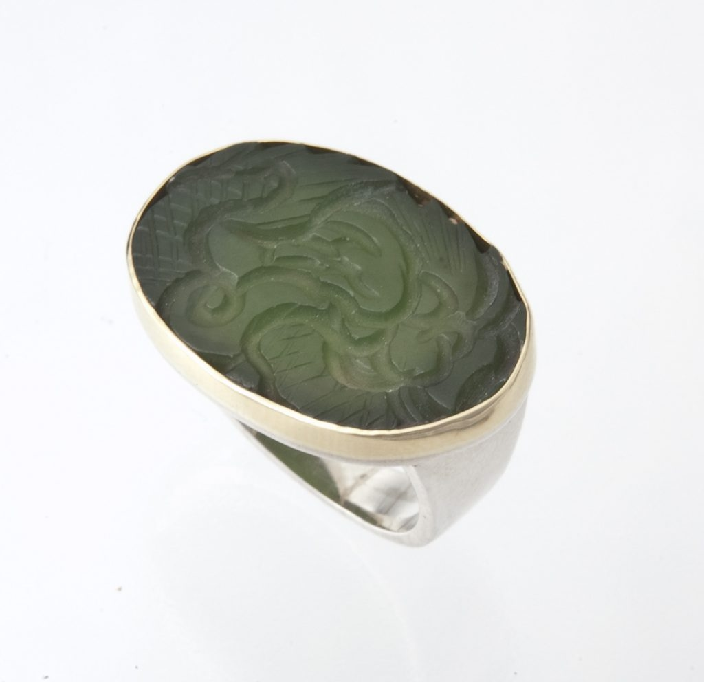 Ring, silver and gold, nephrite jade